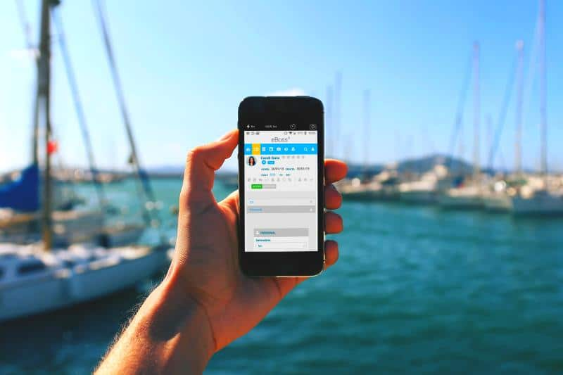 customer-service-crm-database-on-the-go